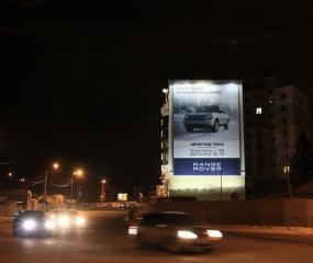 Брандмауэр «Range Rover» - ул. Ленина. д. 104б, ночной вид