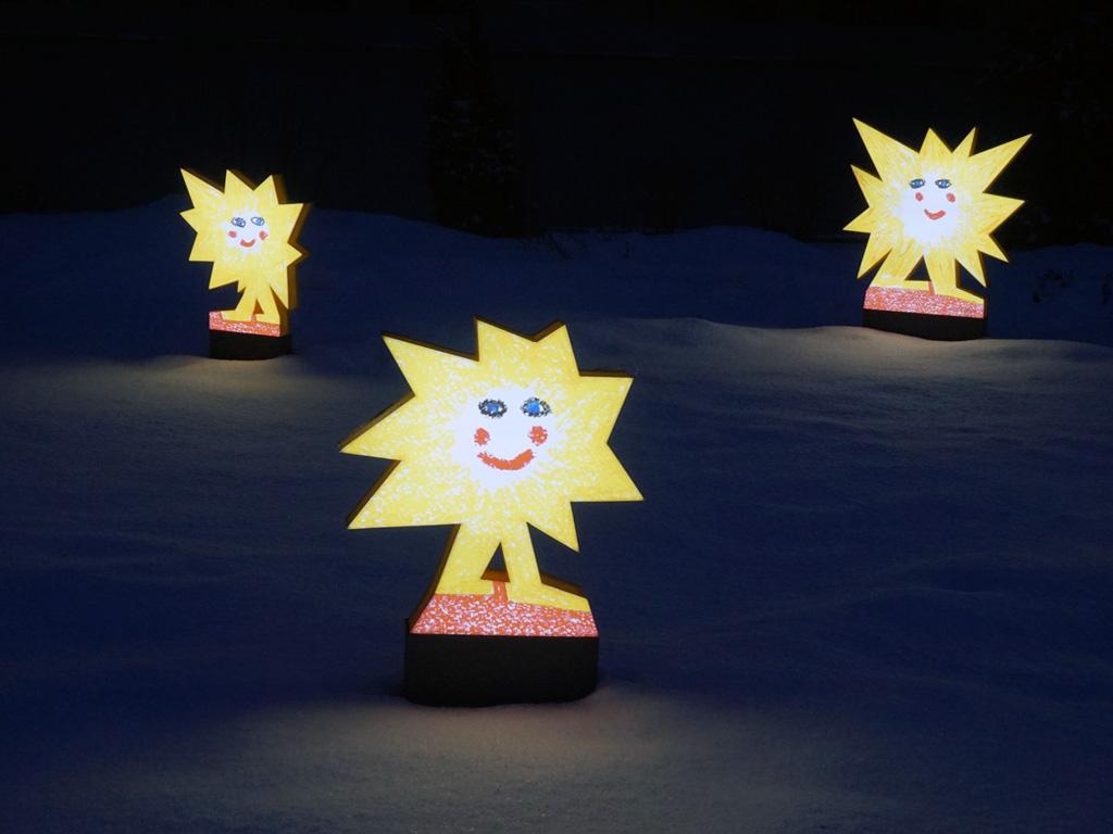Объемные световые фигурки в виде звезд