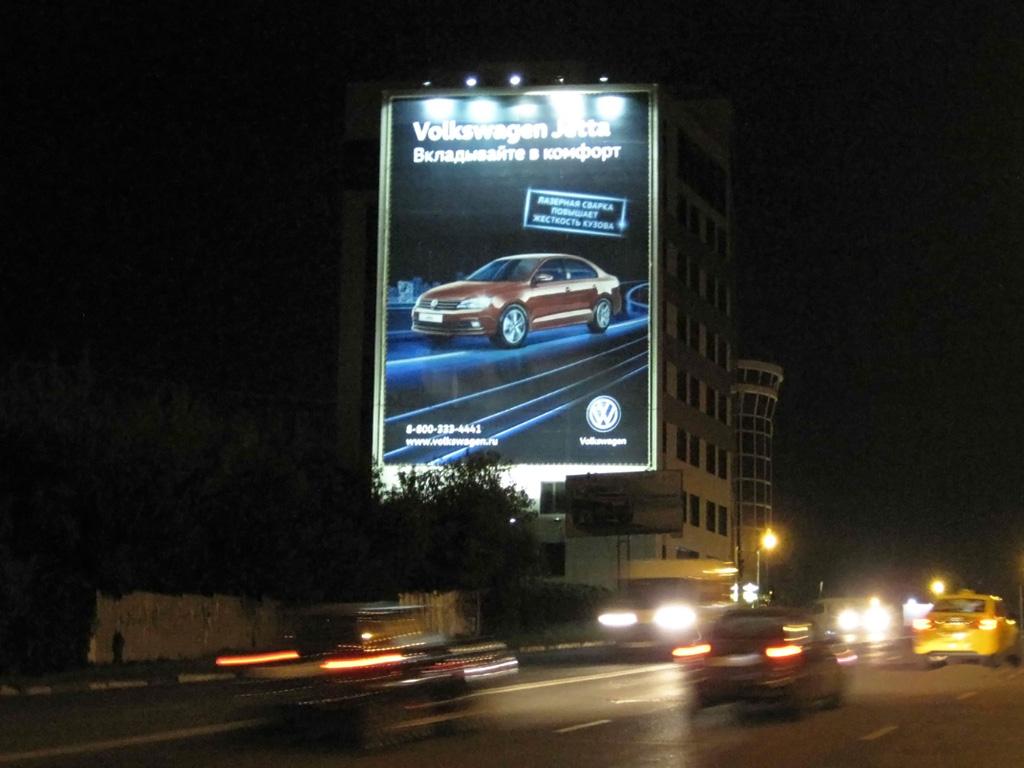 Брандмауэр «Volkswagen Jetta», ул. Ленина, д. 7, ночной вид