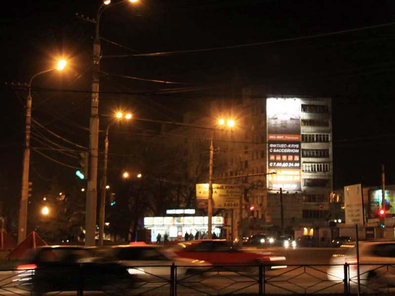 Брандмауэр ул. Хользунова, 35, ночной вид