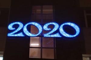 Завершены работы по изготовлению и монтажу новогодних световых цифр «2020» для «Новолипецкого металлургического комбината», г. Липецк